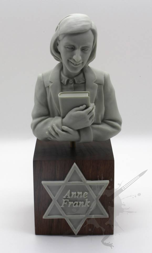anne frank review Two multicultural productions of 'the diary of anne frank' raise questions about the jewishness of anne's story wendy rosenfield considers.